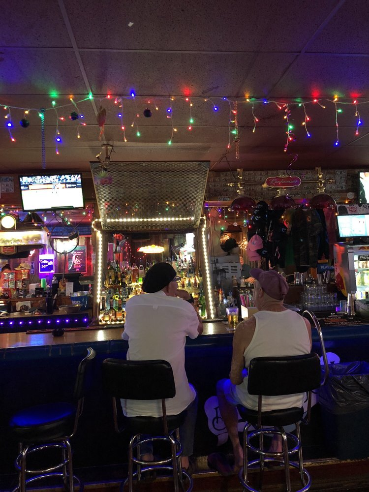 Blue Moon Bar & Grill: 89 S 1st E, Lava Hot Springs, ID