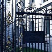 Abercrombie fitch 66 photos 27 avis v tements pour for Abercrombie paris interieur