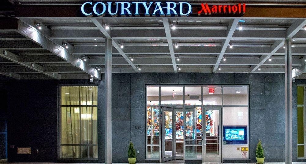 courtyard by marriott new york manhattan chelsea 67. Black Bedroom Furniture Sets. Home Design Ideas