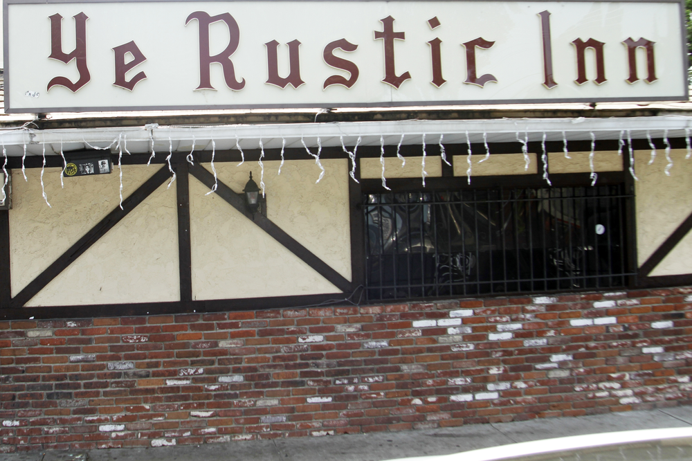 Ye rustic inn 100 photos 543 reviews sports bars for Rustic hotels near me