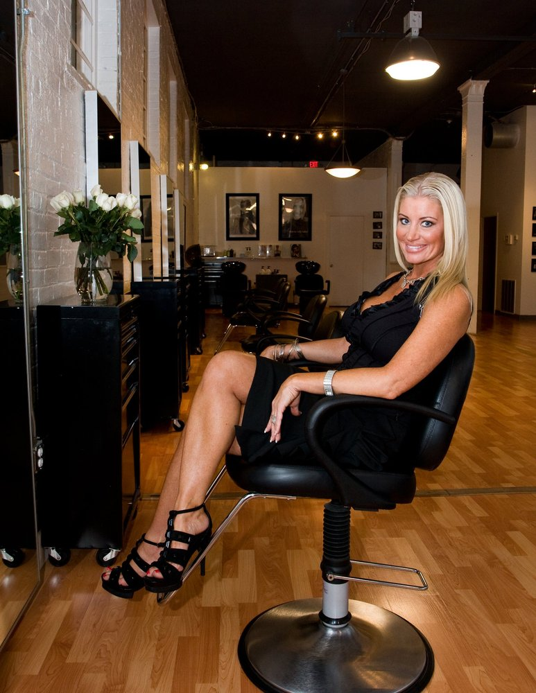 Amanda kelly salon closed 12 photos hair salons - Cincinnati hair salons ...
