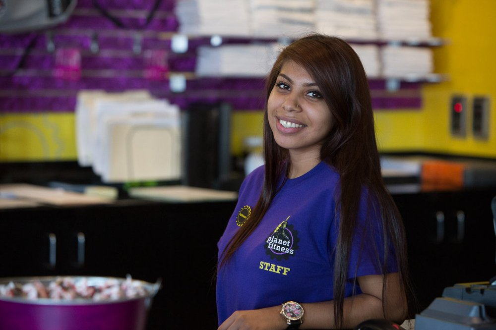 planet fitness member services representative pay