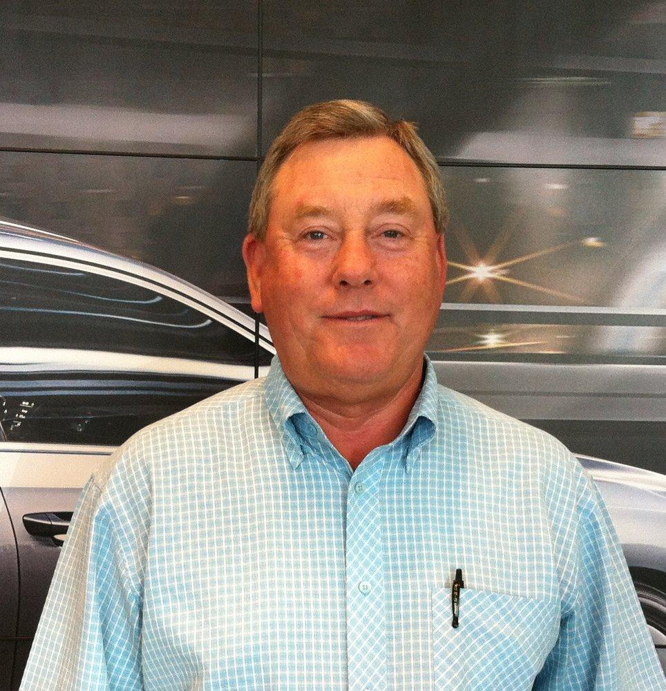 Overturf Volkswagen Kia 17 Reviews Garages 1016 W
