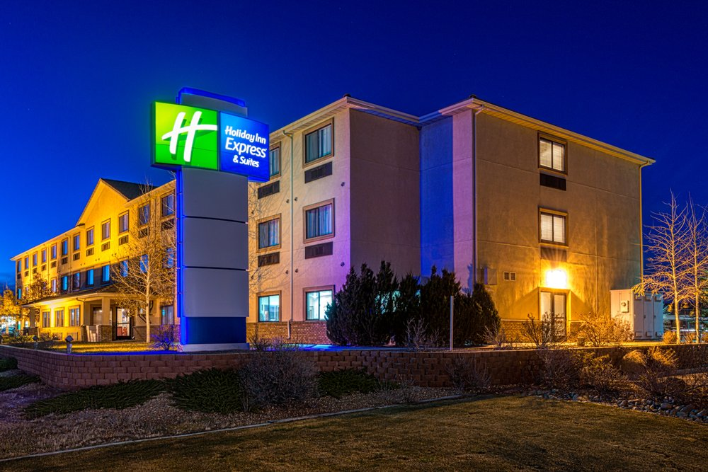 Reviewing Holiday Inn Hotel
