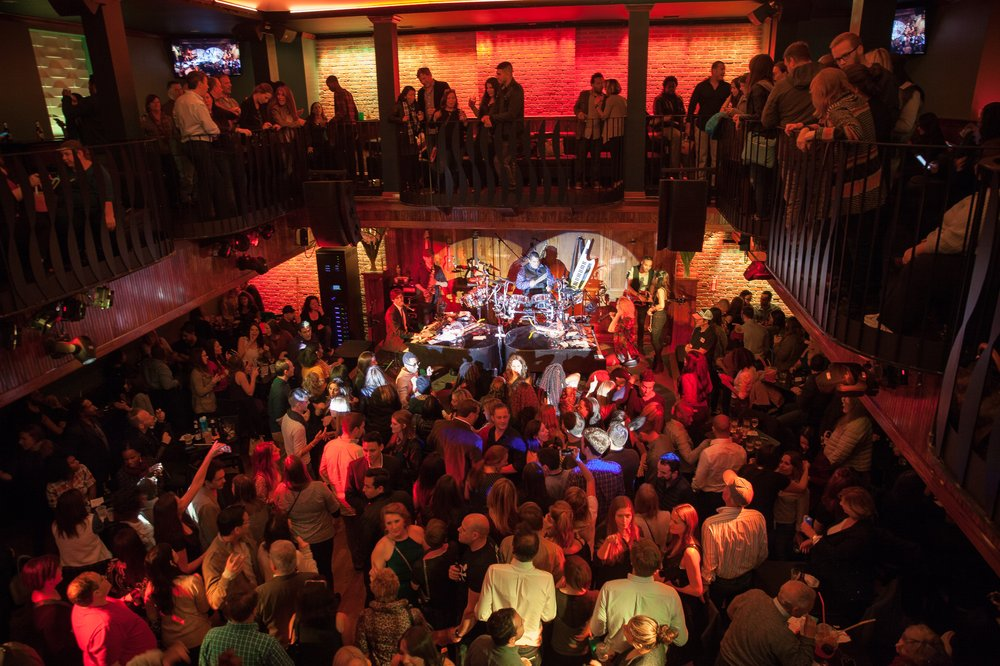 New Year's Eve 2016 at Howl at the Moon New York!