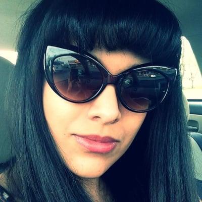 Yasmine R.
