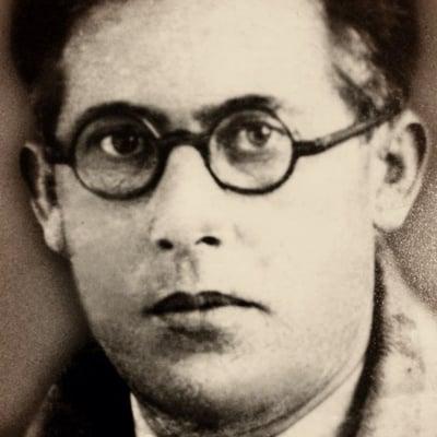 Aleks D.