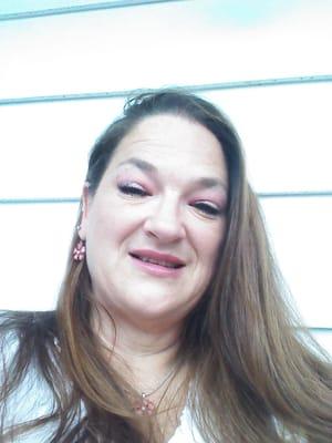Elizebeth R.