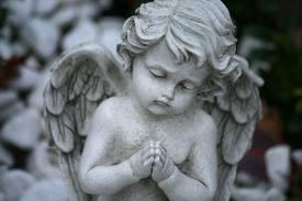 Angel R.